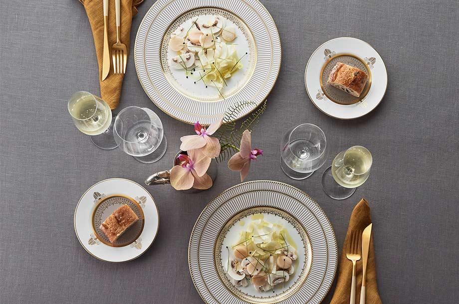<ウェッジウッド>アンセミオン グレイのテーブルコーディネート画像